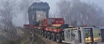 Fagioli used a 20 axle lines SPMT by Cometto for the transport from transshipment area up to site.