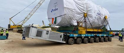 Marine Maroc moved a 361 tons turbine and a 295 tons generator on a SPMT side-by-side configuration.